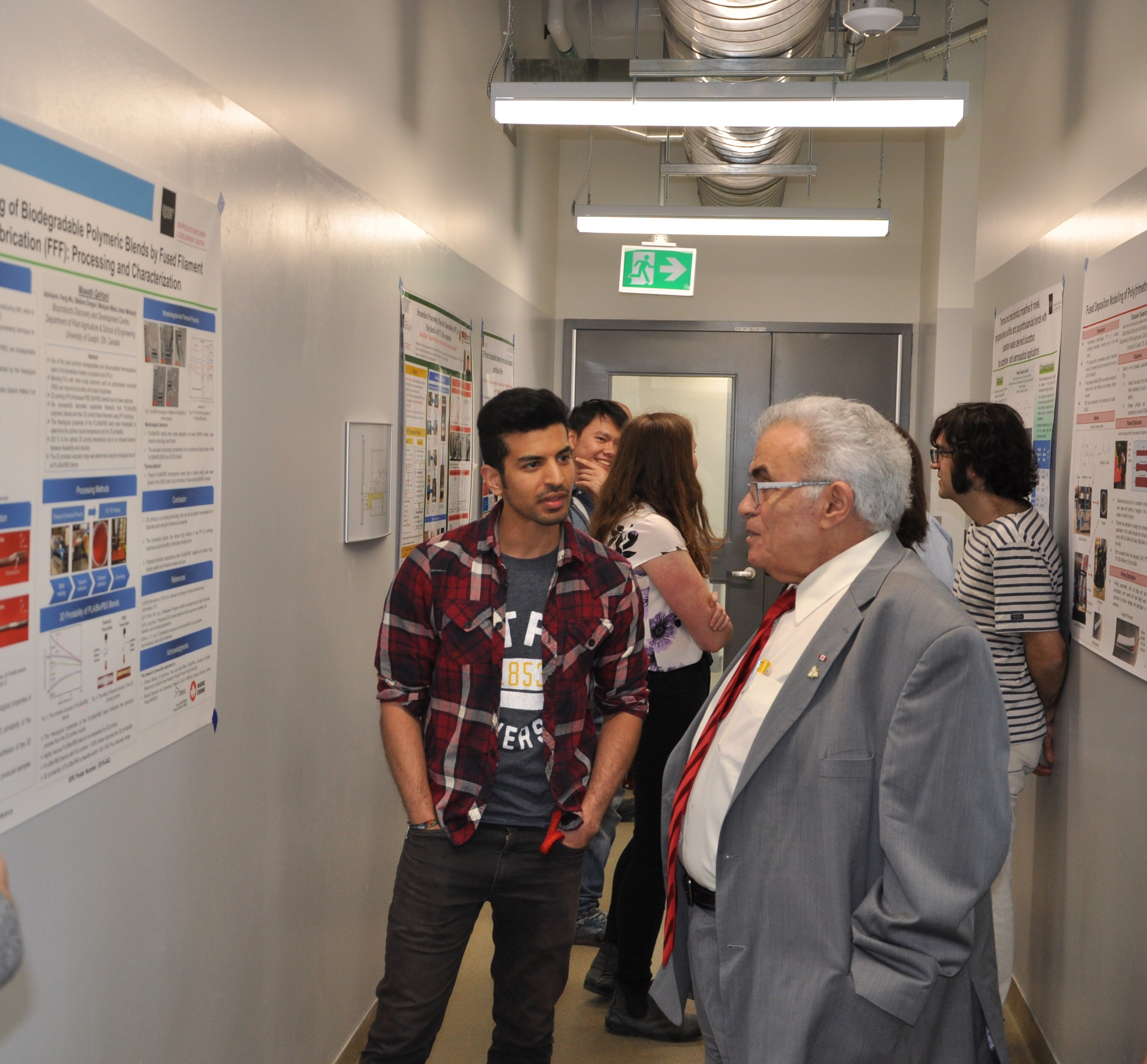 Image - Advisory board member receiving an update of a new research project at the BDDC